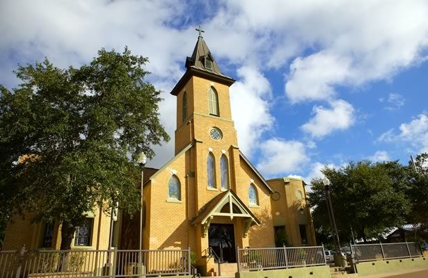 Sacred Heart Catholic Church Floresville