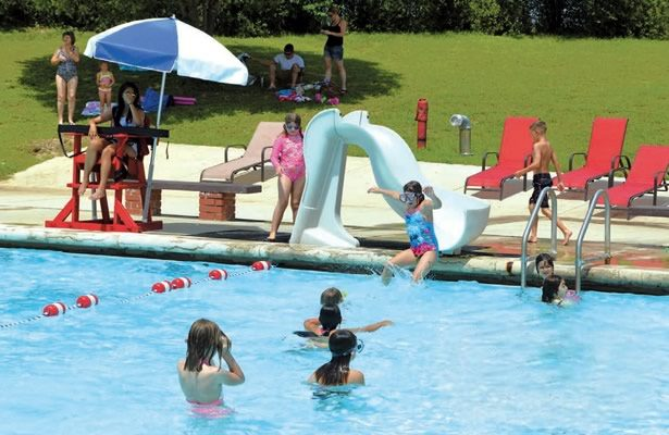 Floresville City Swimming Pool (Wilson County News)