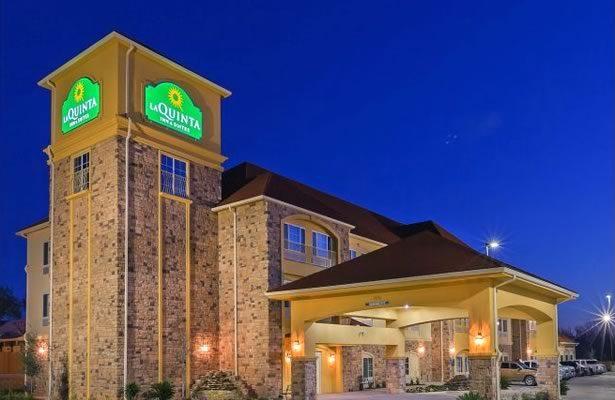 La Quinta Hotel in Floresville