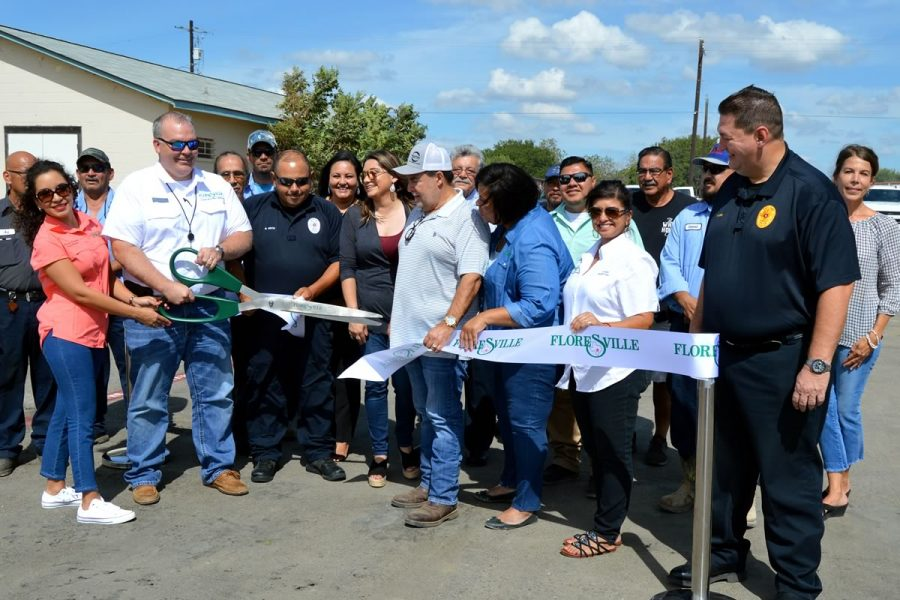 Ribbon cutting for the downtown parking lot project: a joint partnership between the City of Floresville, FEDC and local business owners.